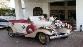 vintage_wedding_car